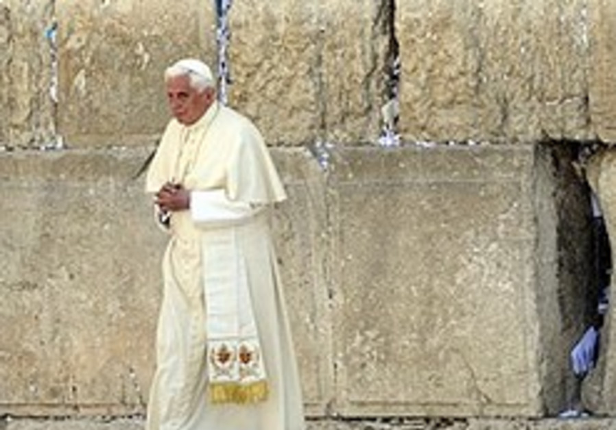 'Pope was reluctant Hitler Youth'