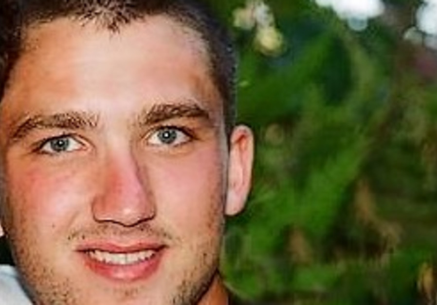 Father of slain soldier: Don't blame officer for my son's death