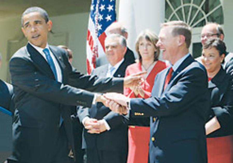 Obama unveils mileage, pollution plan