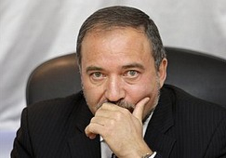 Lieberman calls to ratify road map