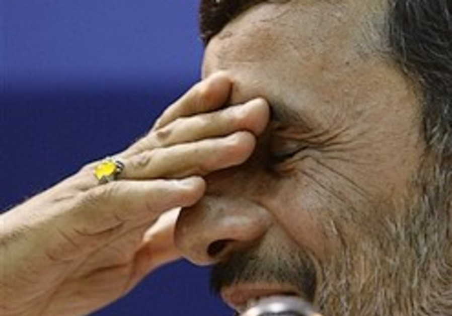 Ahmadinejad slams past nuclear freeze
