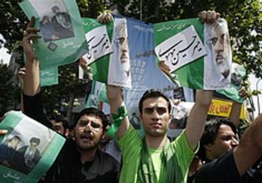 Election fever sweeps Iran