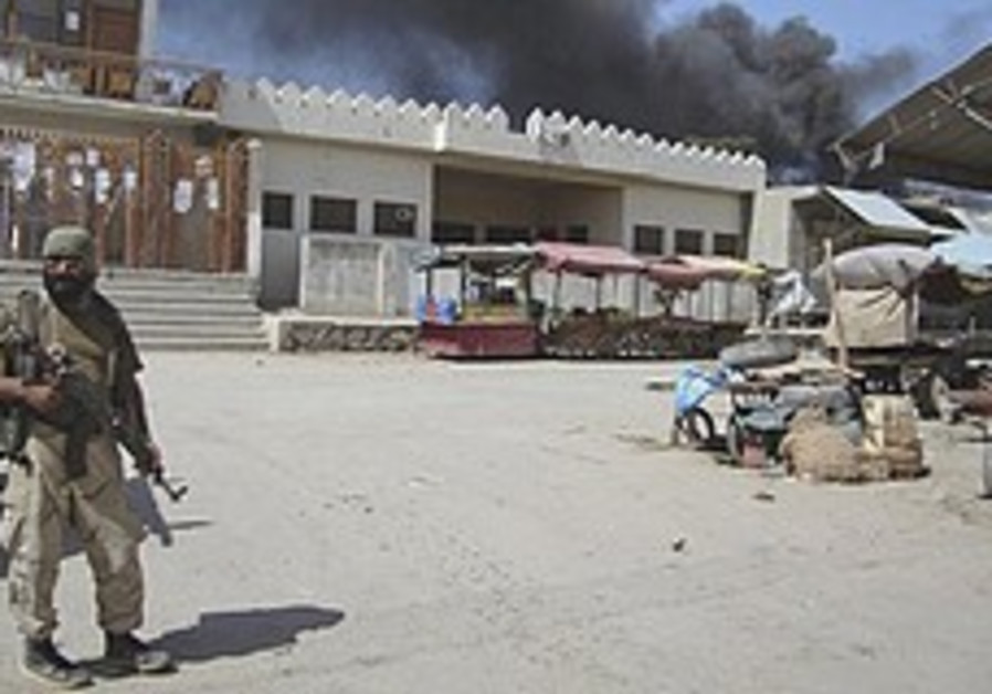 British forces kill an Afghan Taliban leader