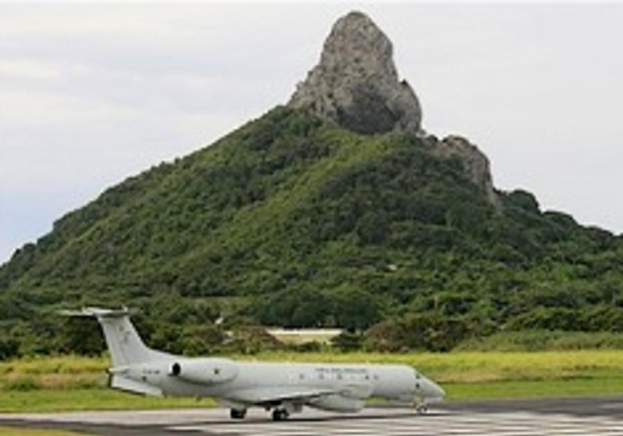 Air France jet likely broke apart above ocean