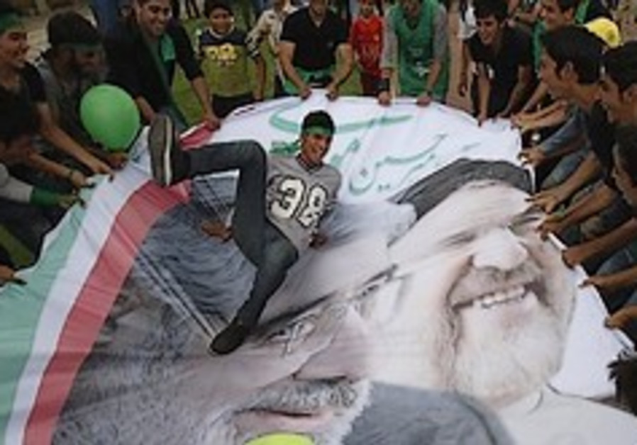 Khatami urges Iranians to help create 'miracle' by electing Mousavi