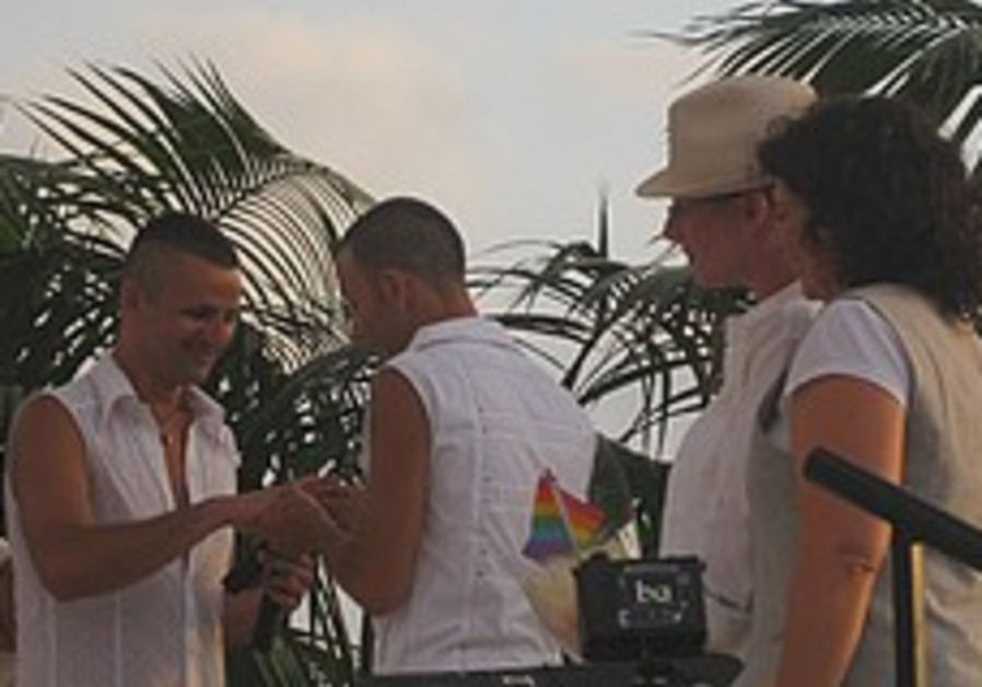 Five gay couples tie the knot at TA Pride 2009
