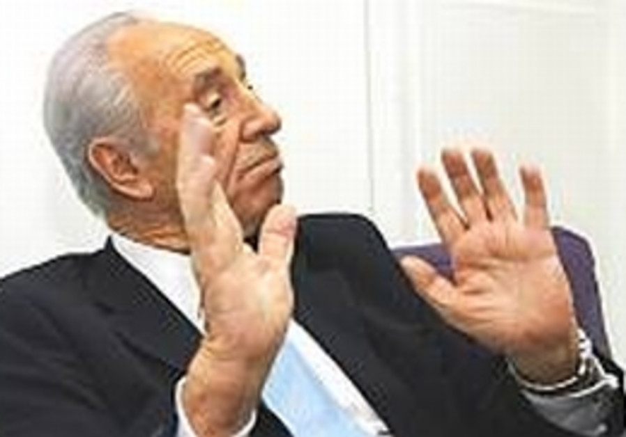 Peres: I want to be president, not PM