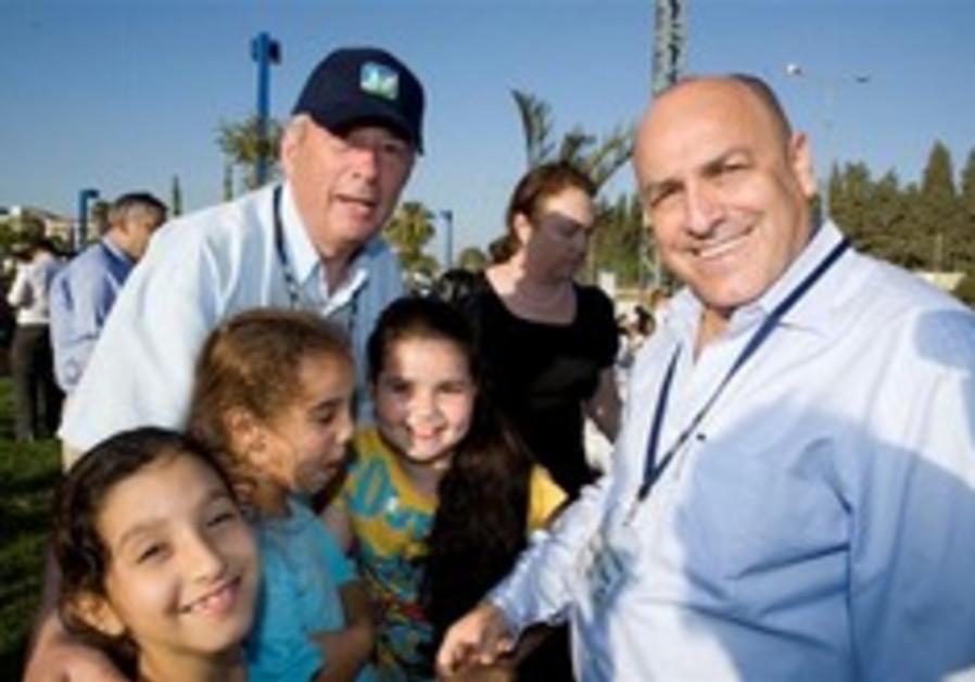 KKL-JNF UK Delegation meets in Prime Minister's office and dedicates new park in Sderot