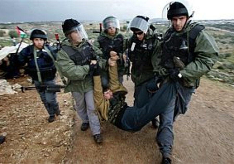 IDF accused of attacking journalists