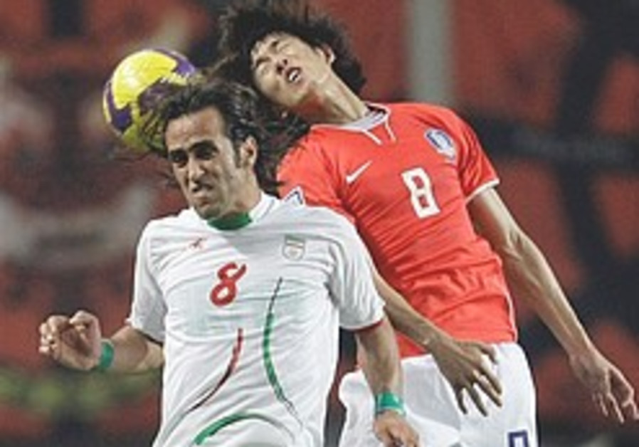Protesting Iran footballers 'forced out'