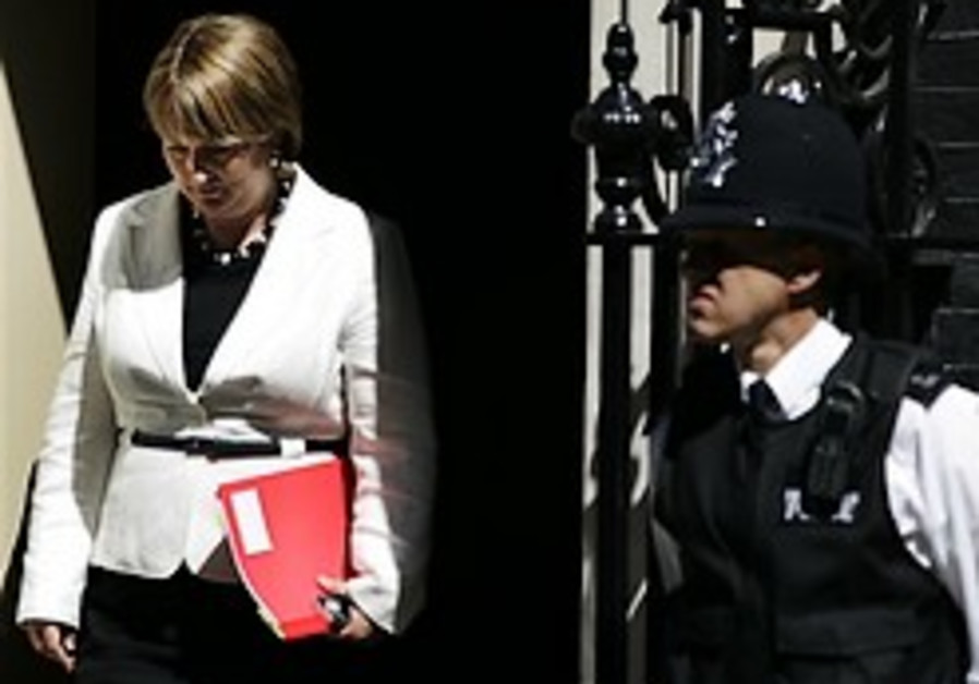 UK police to investigate lawmakers' expenses