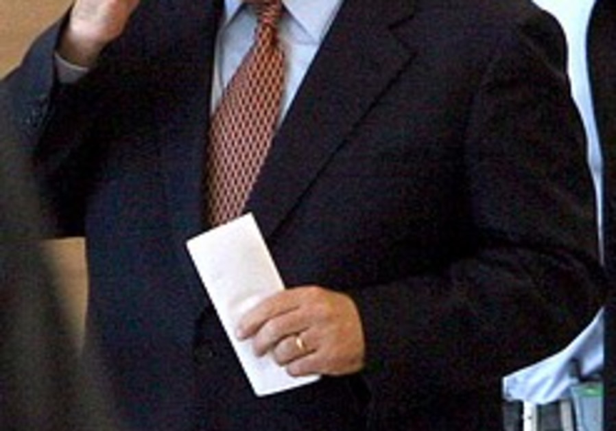 Netanyahu makes 1st Europe trip as PM