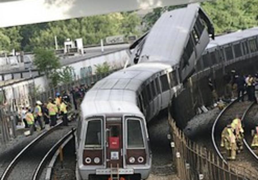 6 killed in Washington Metro accident