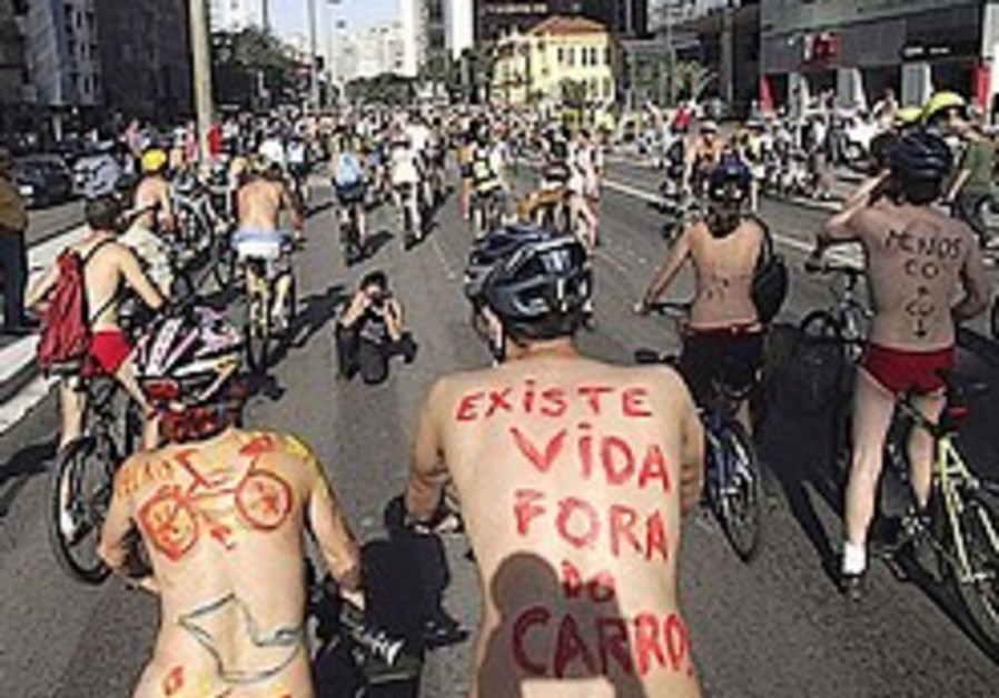 Hundreds to protest lack of gov't support for urban biking - in thongs