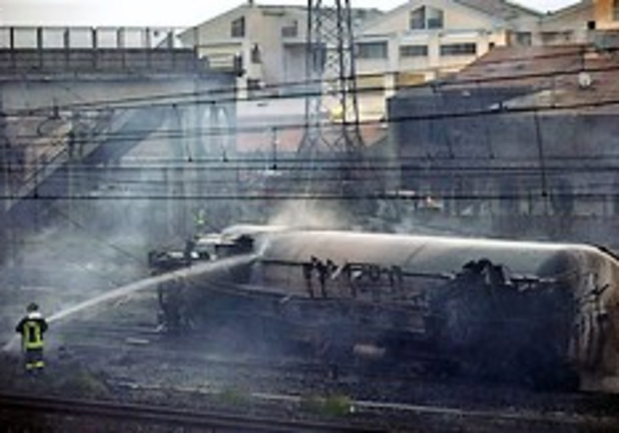 Italy: 13 dead in blast caused by train derailment