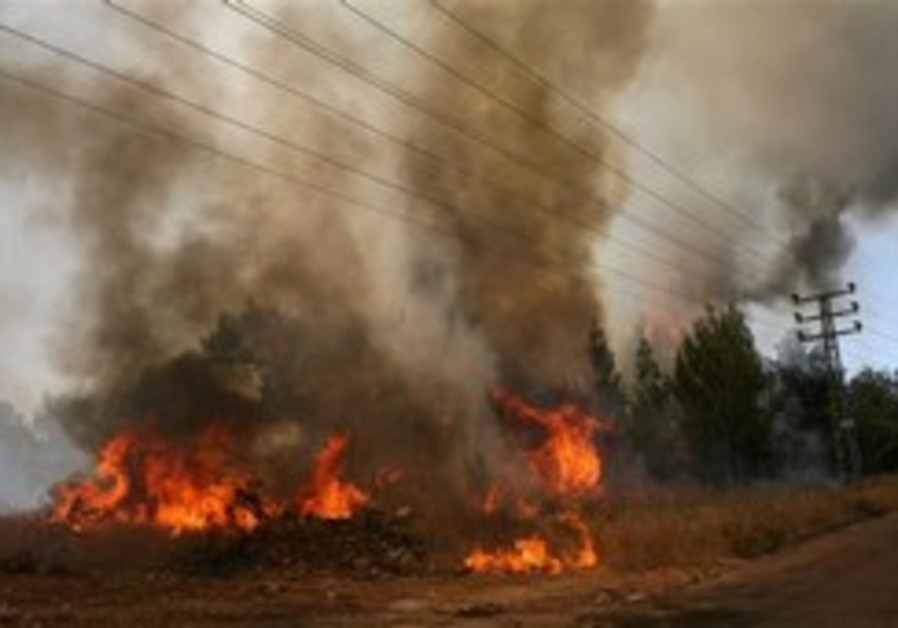 Fires sweep northern Israel
