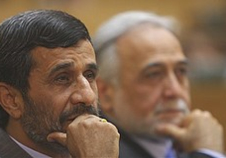 Reformists resist Iranian government pressure