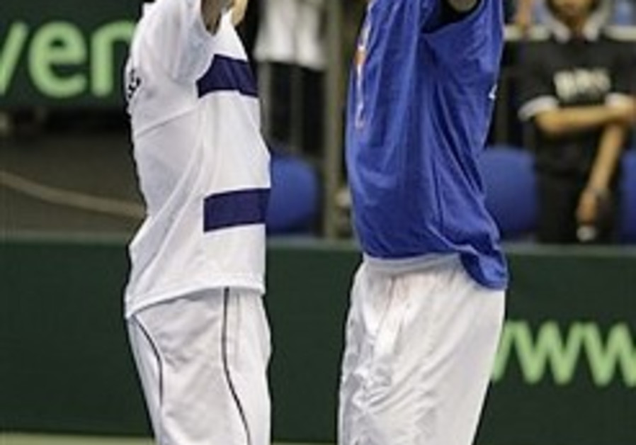 Davis Cup: Ram-Ehrlich lose 2-0 lead