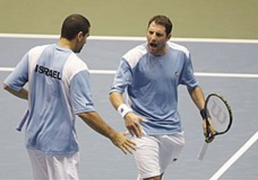 Israel crushes Russia in tennis history