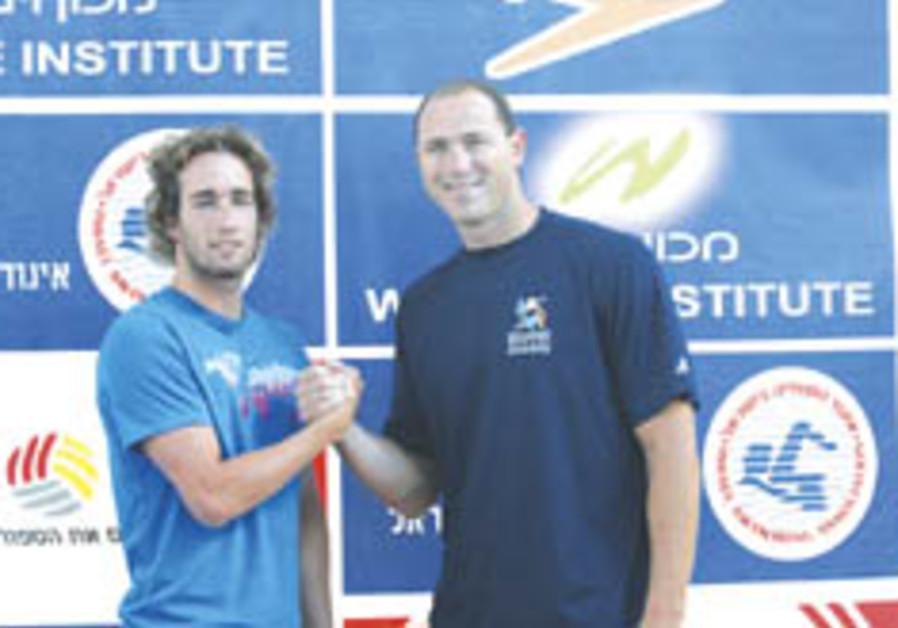 Lezak takes to pool as Maccabiah heats up