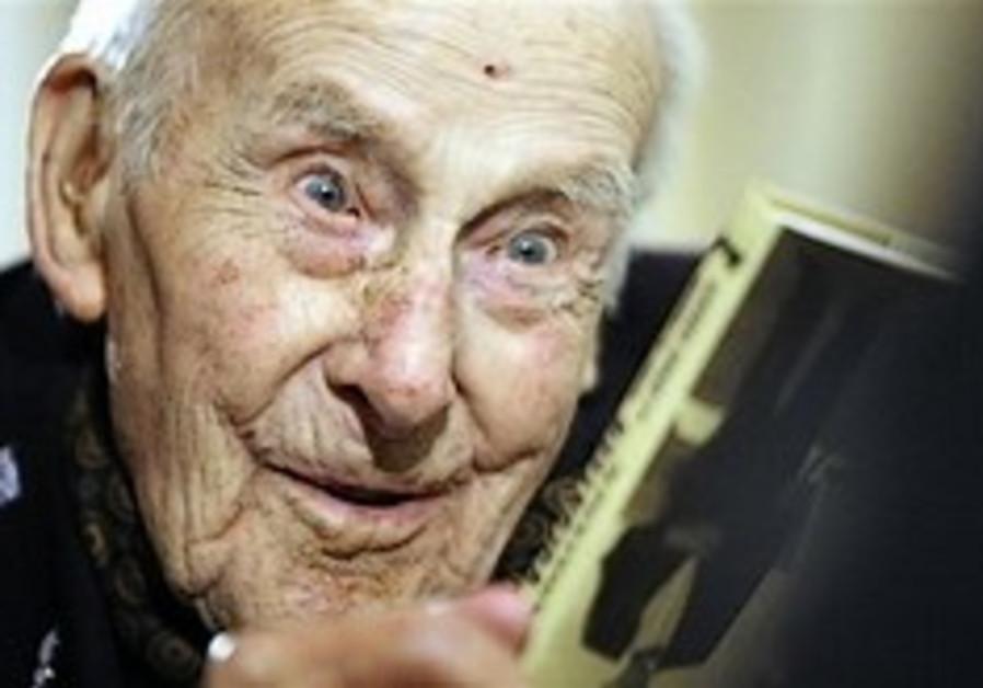 World's oldest man, WWI veteran dies