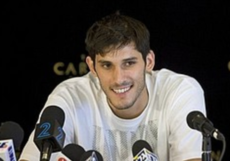 Basketball: Casspi weighs up national team option