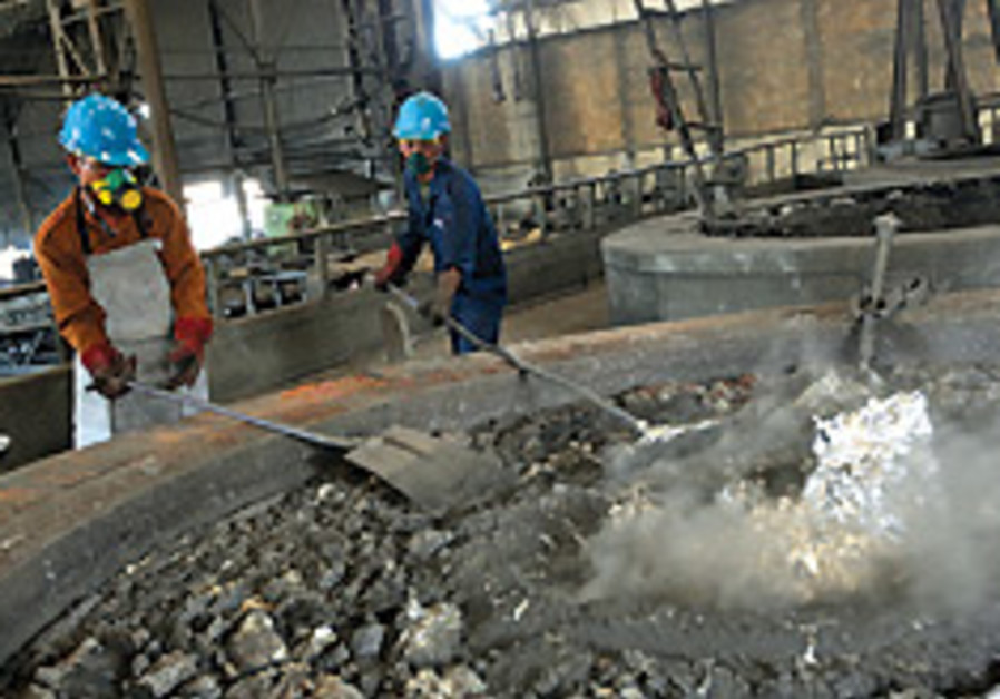 2,800 metal workers laid off this year