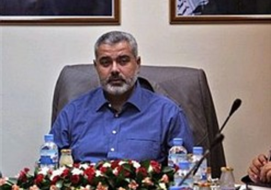 Hamas threatens to boycott Cairo talks