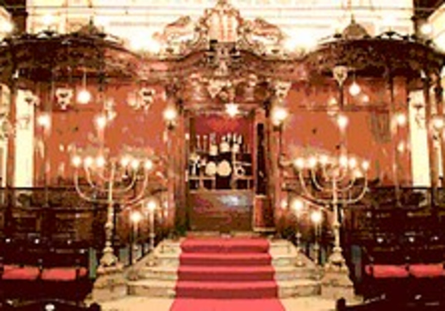 Reclaiming the Izmir synagogues