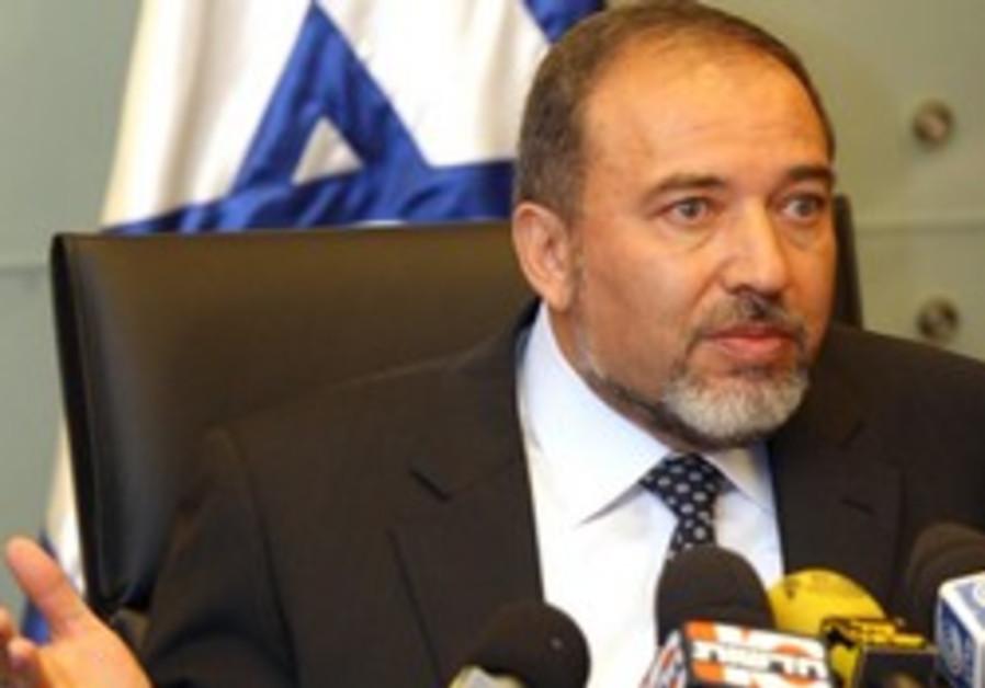 Lieberman slams Russia-Syria arms deal