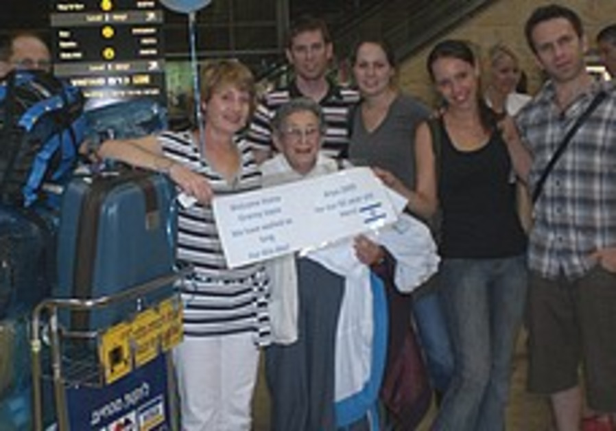 After 60 years, grandma Joyce closes cycle by joining family in Israel from S. Africa