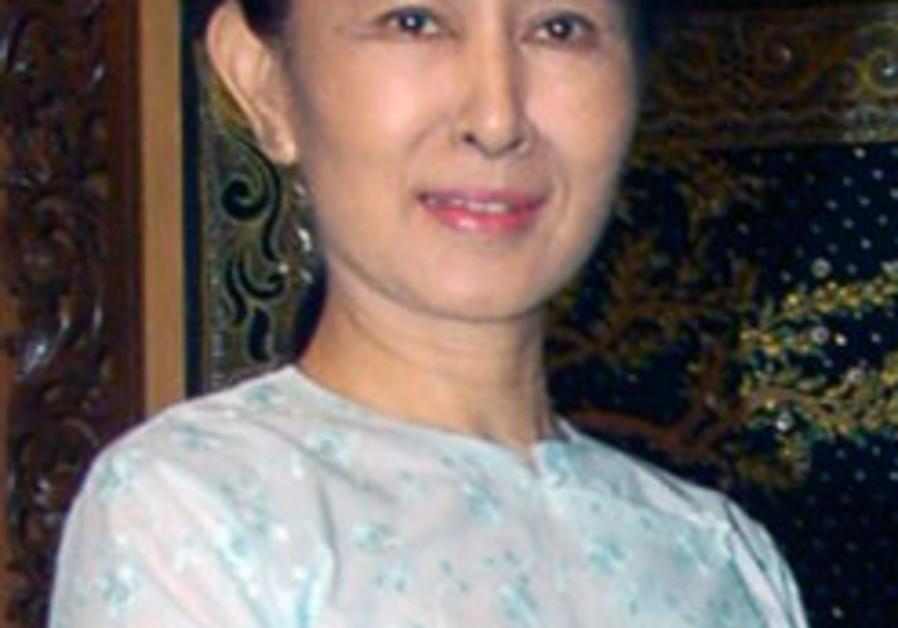 Myanmar's Suu Kyi to return to house arrest