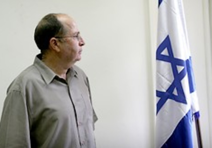 Shalom, not Ya'alon, to replace Netanyahu while he's on European trip this week
