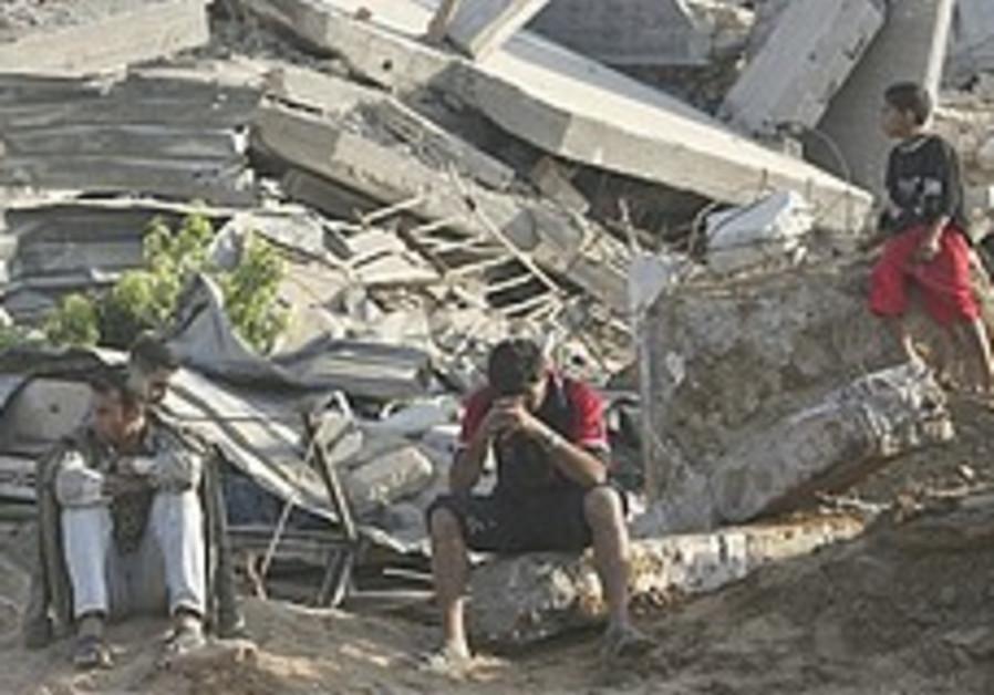 Hamas: Egypt gasses 4 smugglers