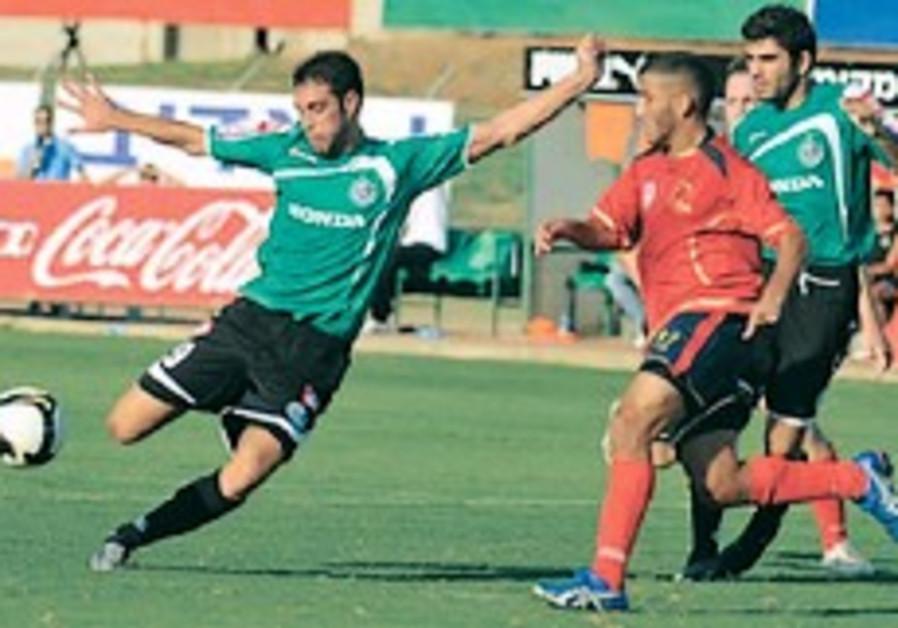 Local soccer: Haifa, Mac Tel Aviv set early pace