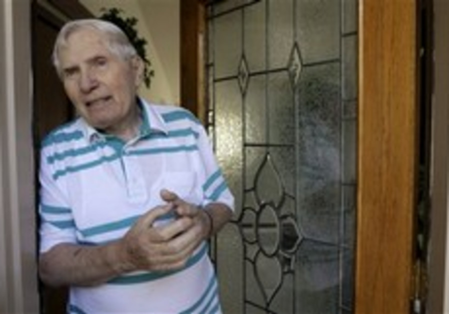 US man to be deported for alleged WWII shootings