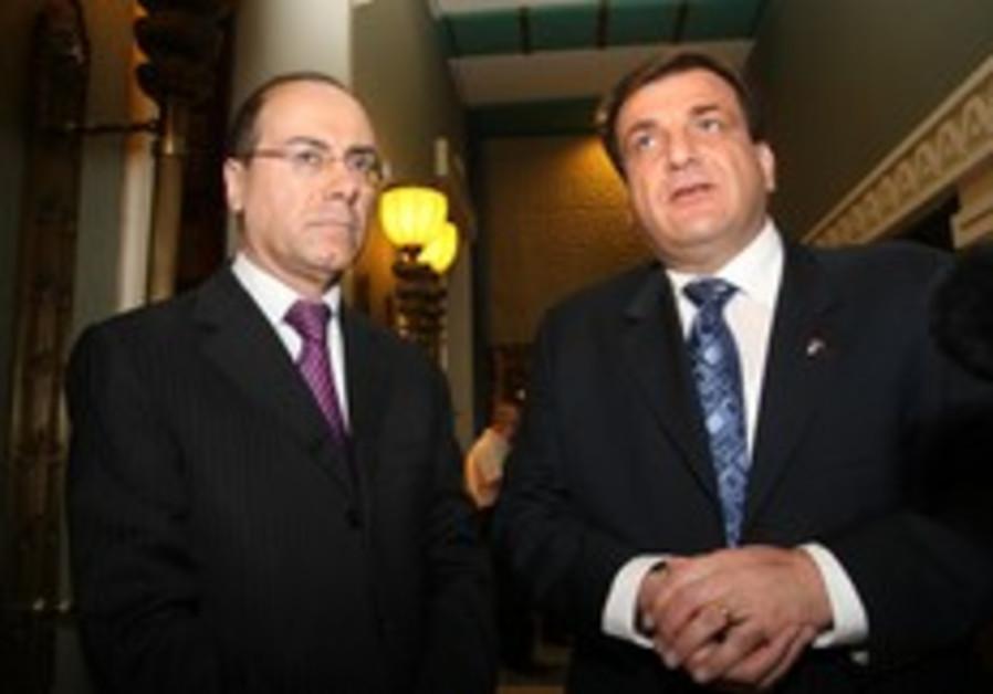 PA minister downplays Shalom meeting