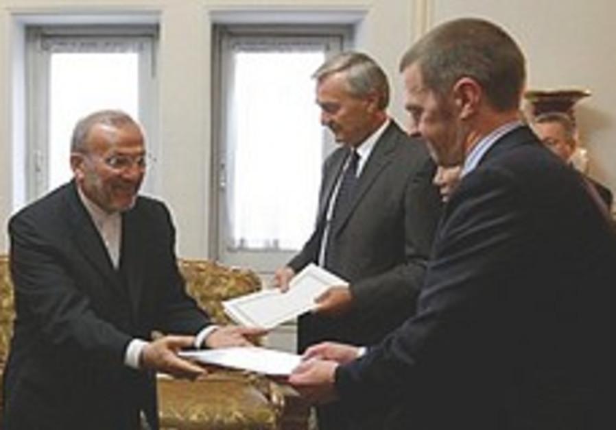 Western powers want to start Iran talks