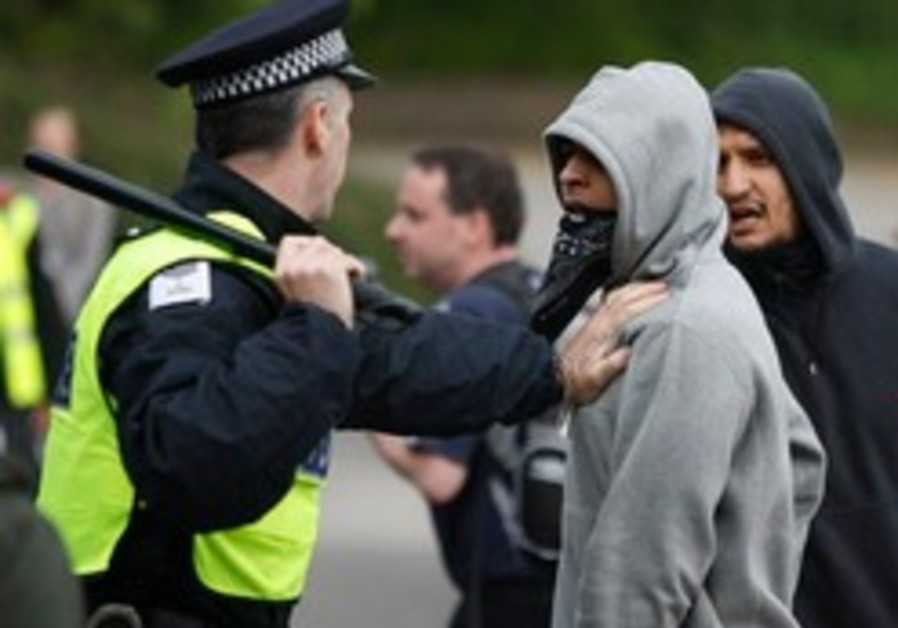 Britain troubled by anti-Islam rallies