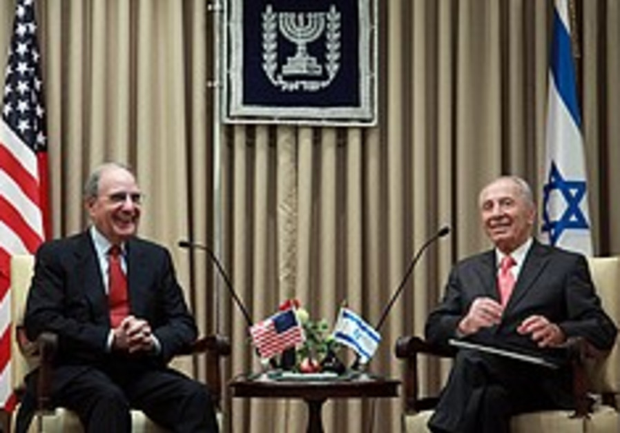 Peres's fainting spell apparently caused by sudden drop in blood pressure; meets Mitchell after leaving hospital