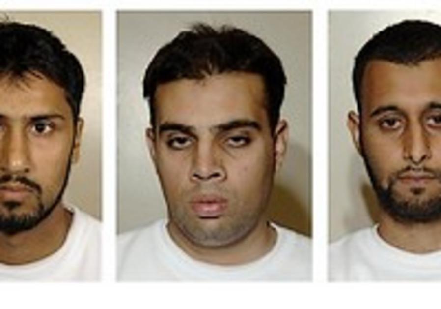 Four UK Muslims jailed for terror plot