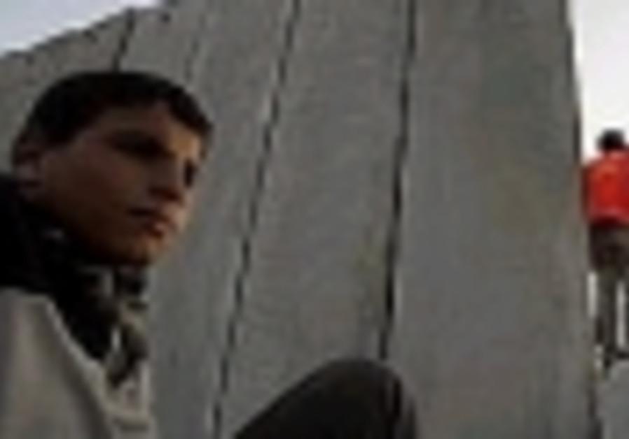 palestinian gaza kid in shadow of wall 88