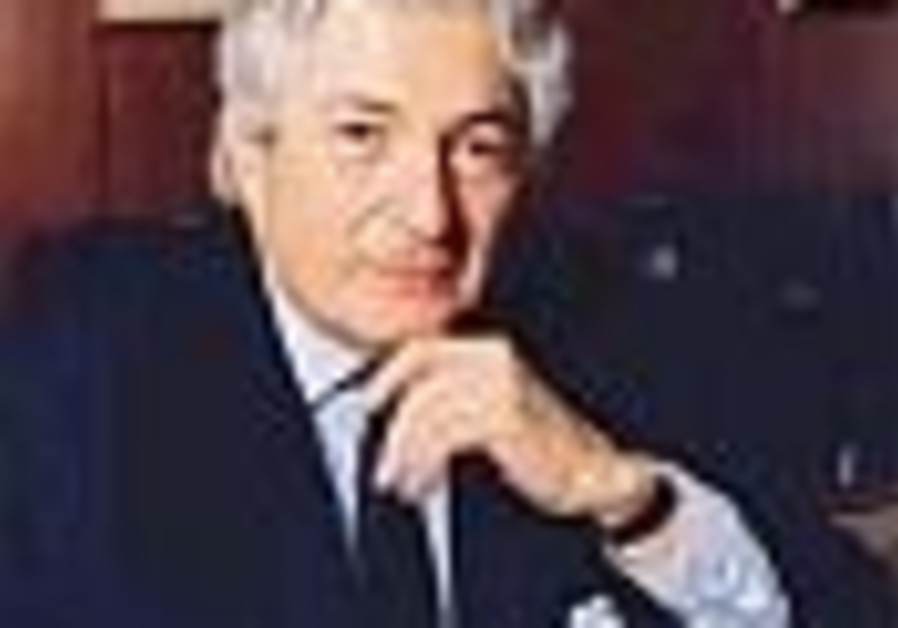 Wolfensohn advises: Take it easy on PA
