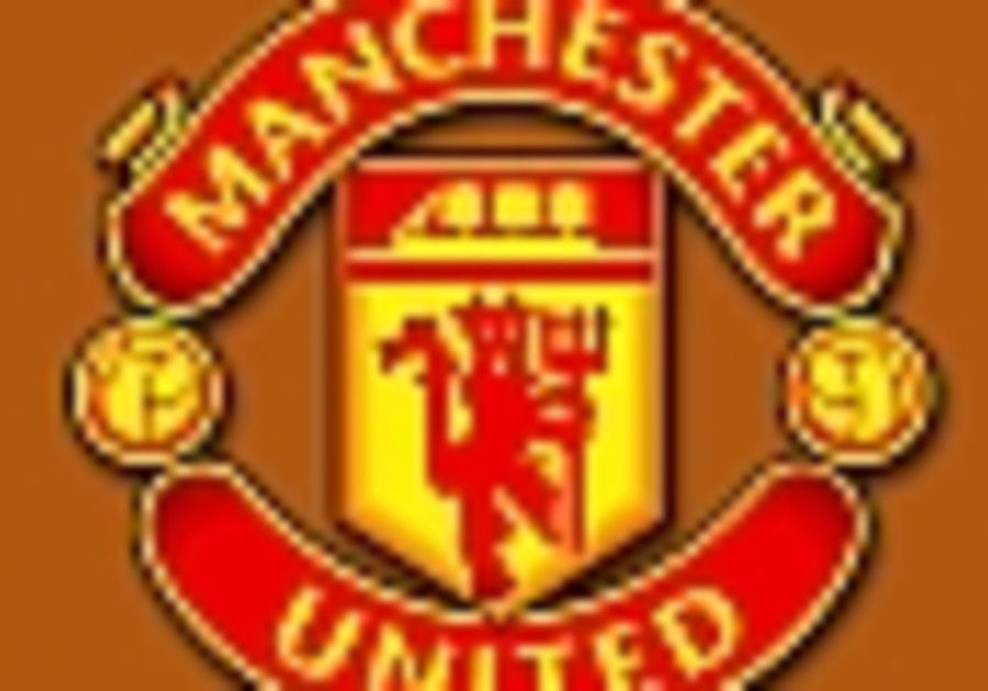English Soccer: Man United looking to take top spot