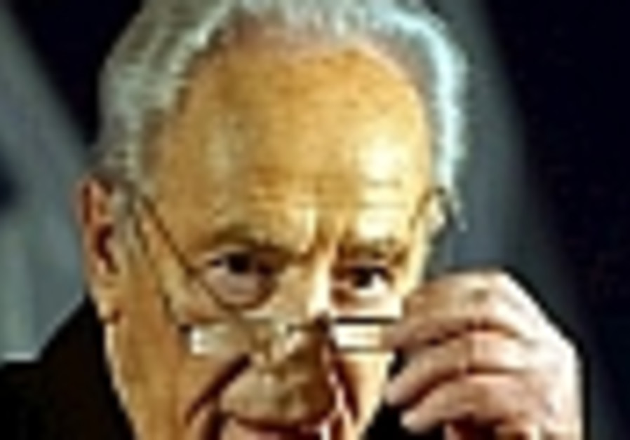 Comptroller demands Peres explain donations