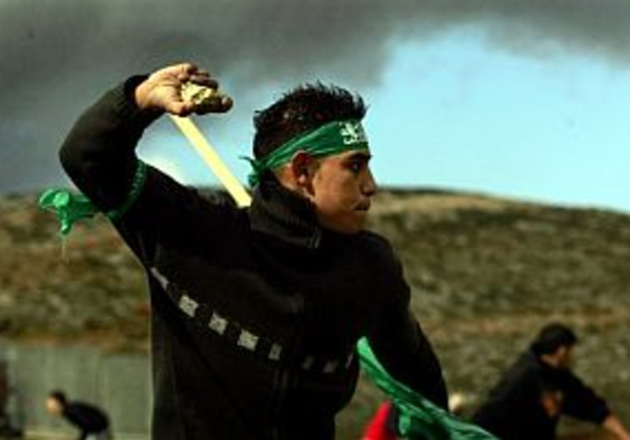 hamas supporter throwing stones