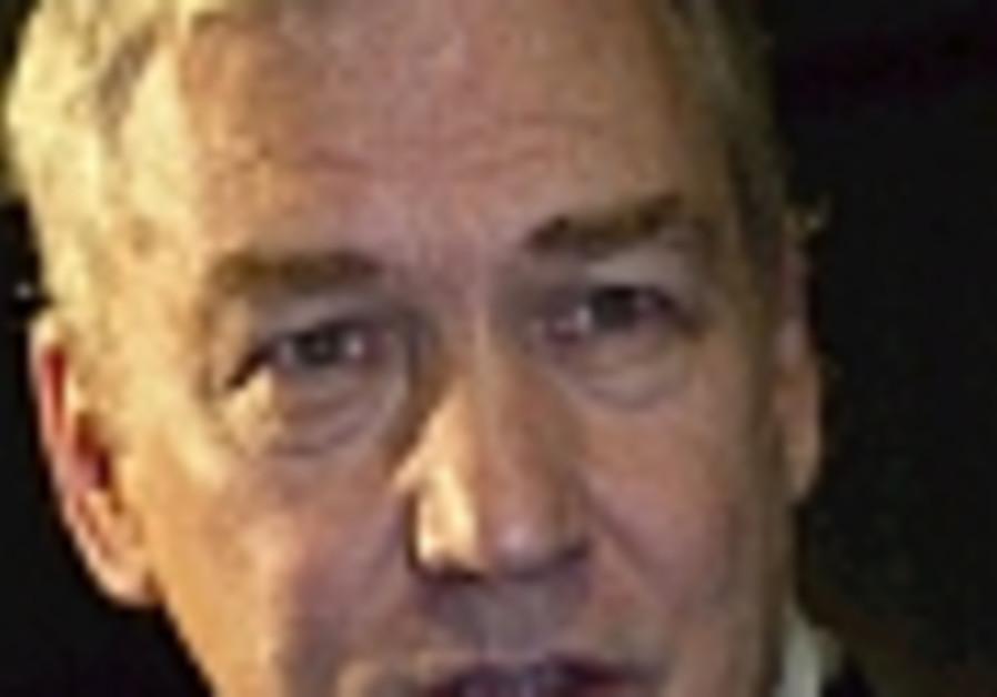 Prosecutors: ex-<I>'Post</I>' owner Black engaged in insider trading