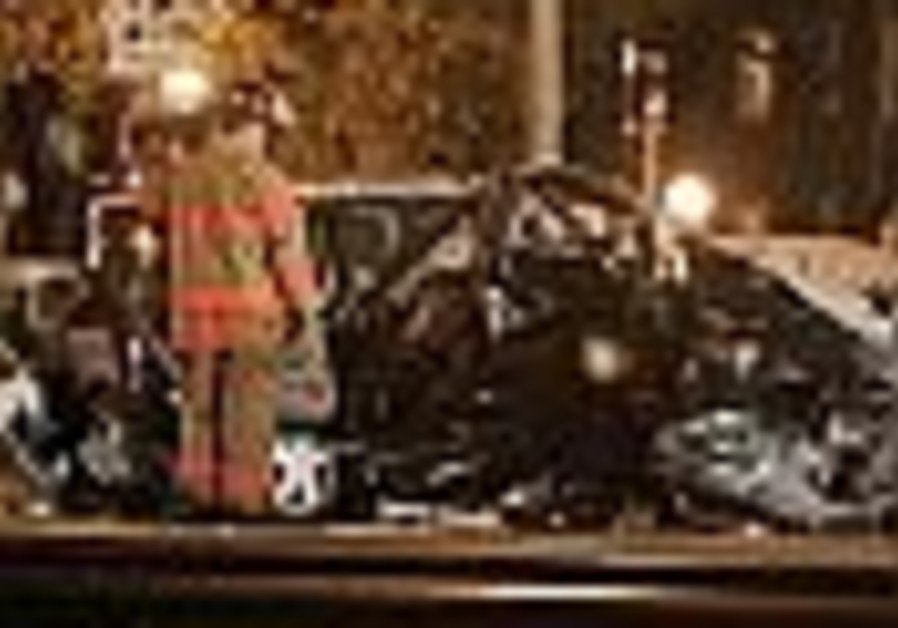 Train collides with trapped van