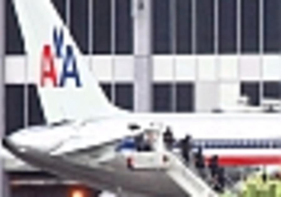 american air airplane tail 88