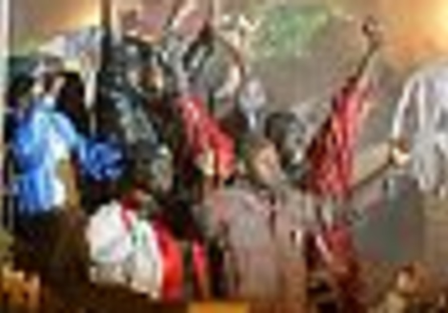 AT least 20 Sudanese killed in Cairo refugee camp melee